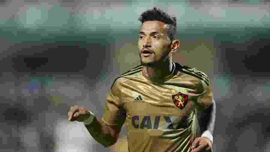 Rogério tem 17 gols em 65 jogos pelo Sport - Giuliano Gomes/ PR Press/Estadão Conteúdo