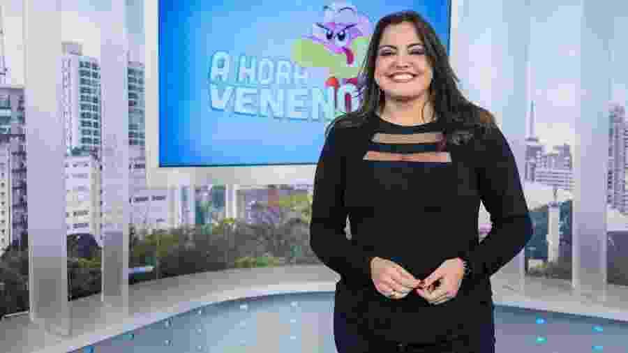 """Fabíola Reipert, que comanda o quadro de fofoca líder de ibope, o """"Hora da Venenosa""""  - Reprodução/RecordTV"""
