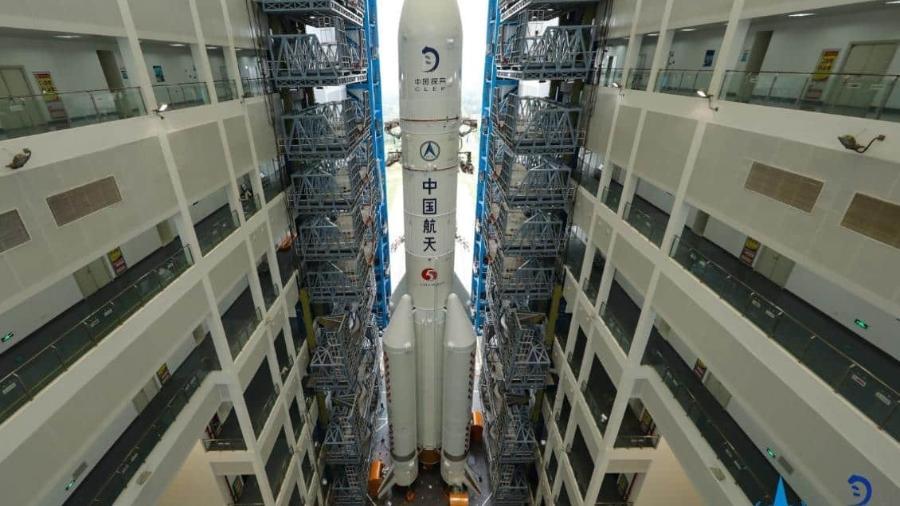 """Foguete Longa Marcha 5 com a sonda Chang""""e 5 a caminho da Lua - CLEP"""