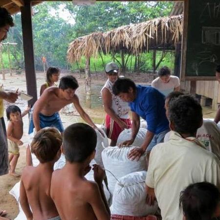 Alvos de ataques de garimpeiros há uma semana, índios Yanomami pedem socorro - Reprodução/Facebook