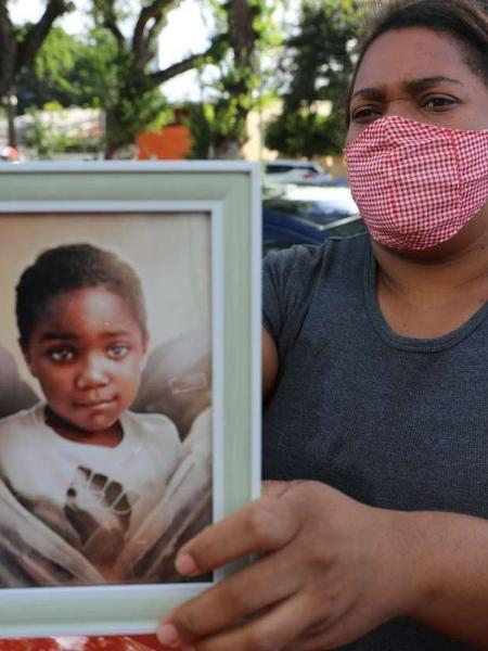 Mirtes Renata é mãe de Miguel Otávio Santana da Silva, de 5 anos, que caiu do nono andar de um prédio de luxo na área central do Recife depois de ser deixado sozinho no elevador pela patroa da mãe                              - DAY SANTOS/JC IIMAGEM