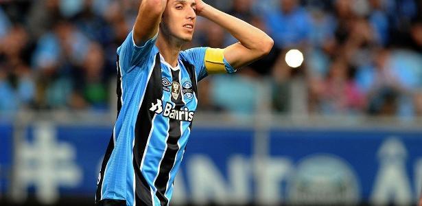Grêmio de Pedro Geromel (foto) perdeu quinto jogo no returno do Brasileiro
