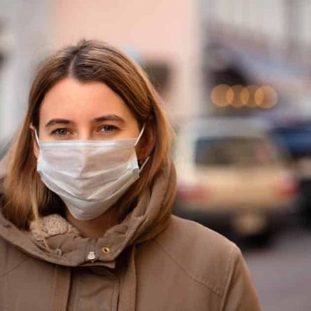Mulheres usam mais máscara e levam precauções contra covid-19 mais à risca - Eugene Gurkov/Shutterstock