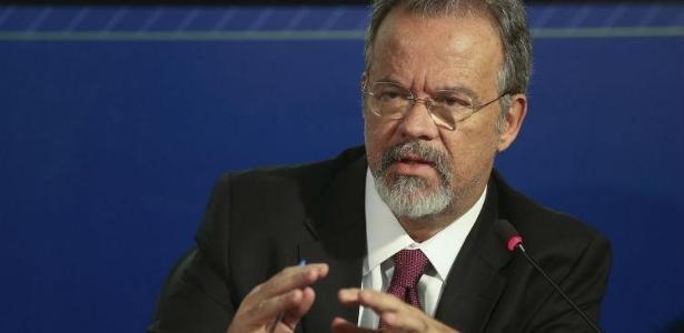 Ministro Raul Jungmann visitou instalação militar em Recife