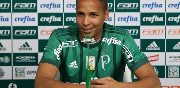 Deyverson vai ser titular do Palmeiras contra o Avaí em São Paulo