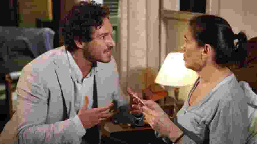 Guaracy (Paulo Rocha) e Griselda (Lilia Cabral) de Fina Estampa (Reprodução - TV Globo) - Reprodução / Internet