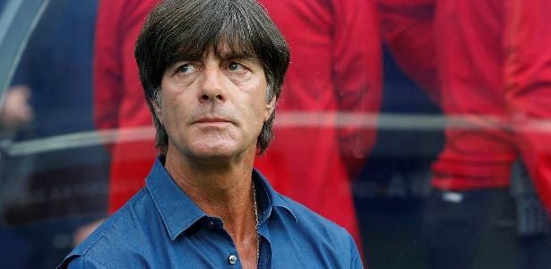 Joachim Löw ficou revoltado com a própria torcida no duelo pelas Eliminatórias da Copa