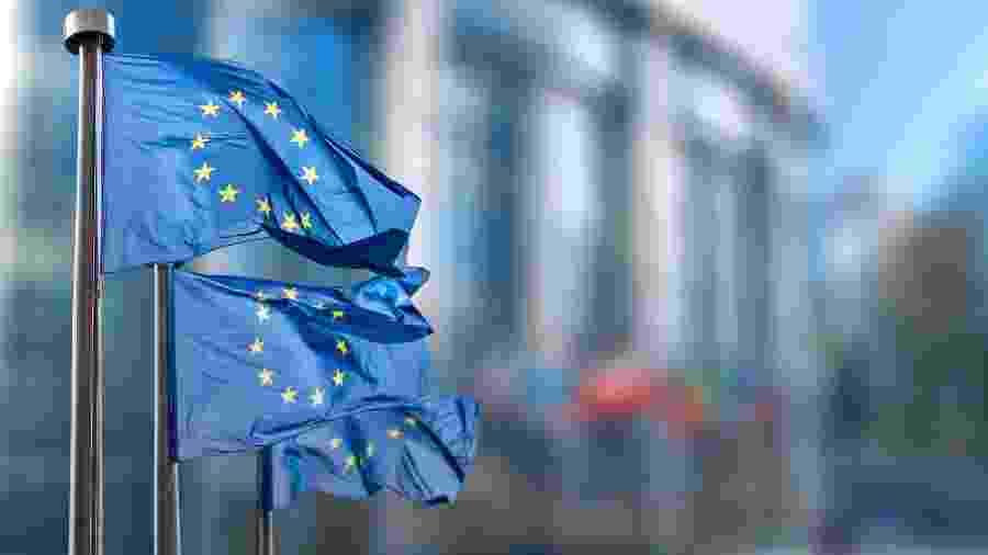 UE define orçamento para 2021 e espera desbloqueios de Hungria e Polônia - Shutterstock