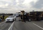 Caminhão tomba e causa lentidão na Via Dutra em São José dos Campos