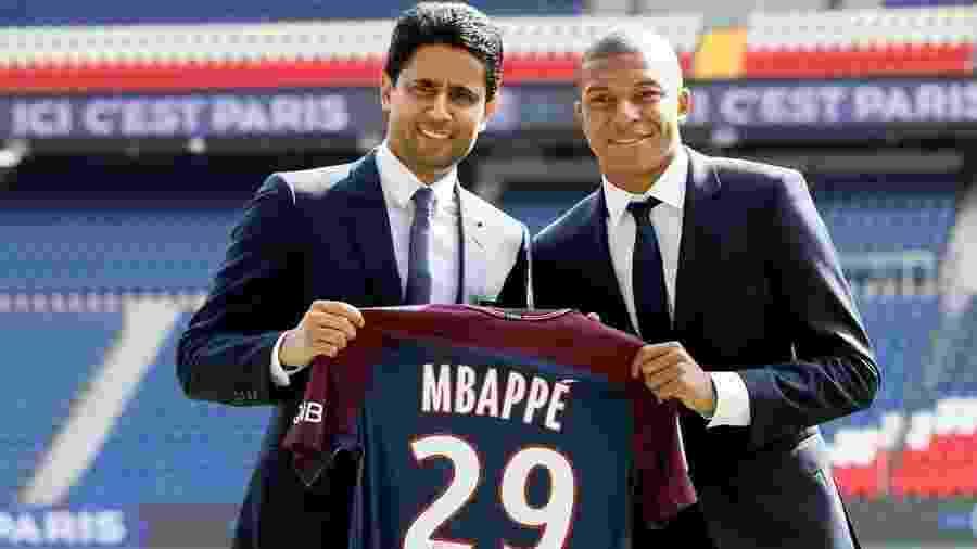 Mbappe se apresenta ao PSG ao lado do presidente Nasser Al-Khelaif Gonzalo - Gonzalo Fuentes/Reuters
