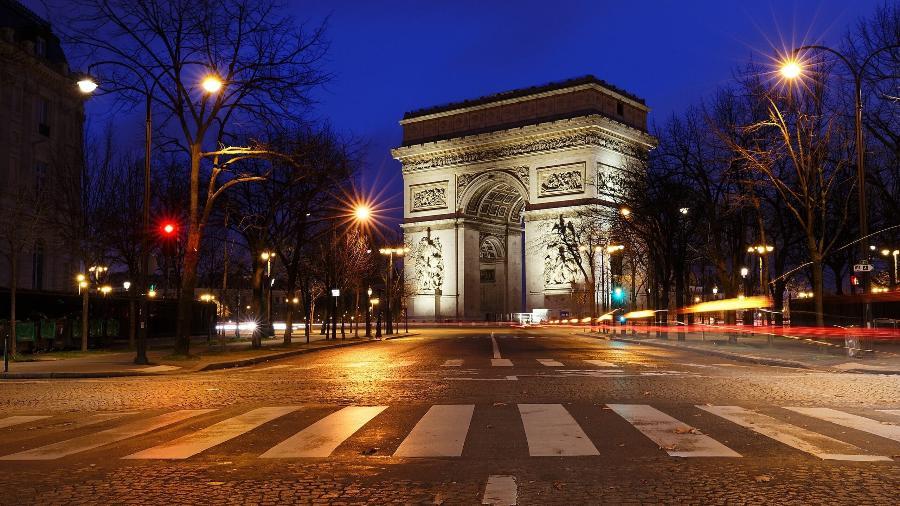 Prefeitura de Paris é multada por empregar mulheres demais em cargos de direção - Arco do Triunfo, em Paris