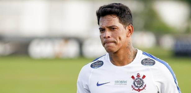 Giovanni Augusto é um dos jogadores do quarteto fora dos planos do Corinthians
