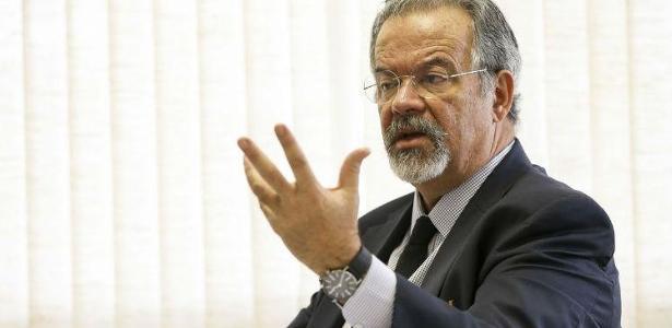 Ministro da Segurança Pública, Raul Jungmann diz que não interferiu em cumprimento de habeas corpus a Lula