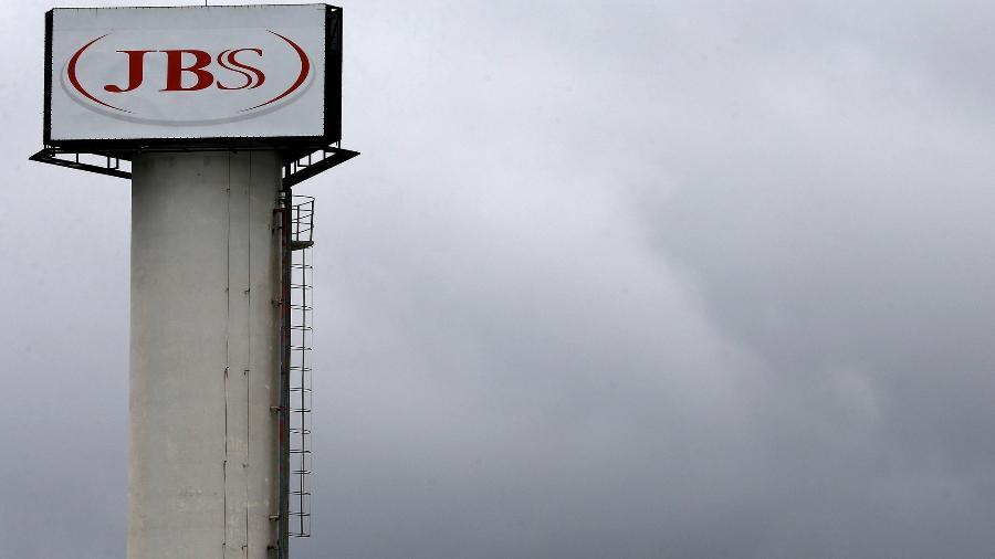 Logo da JBS na cidade de Jundiaí, Brasil - Paulo Whitaker/Reuters