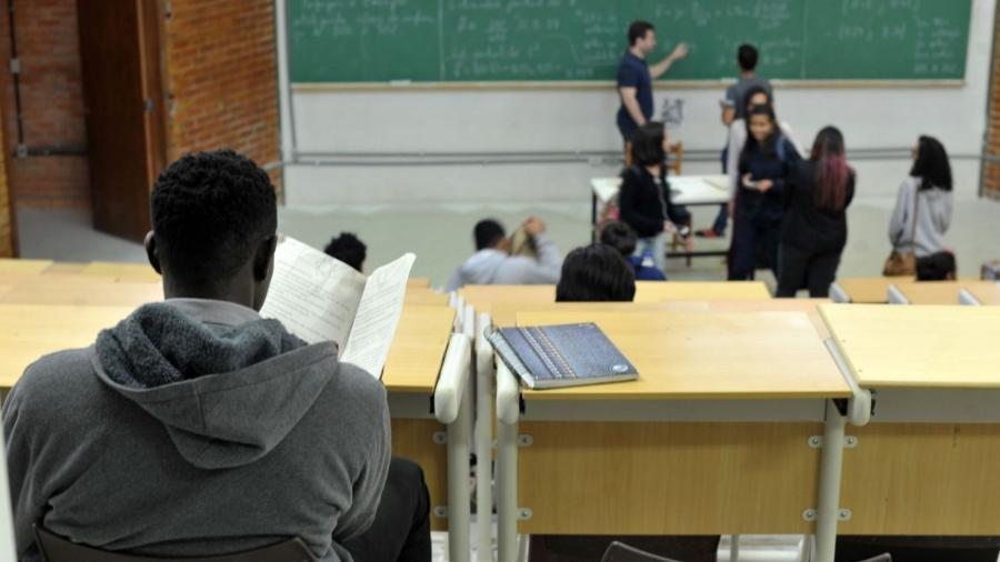 Cresce total de negros em universidades, mas acesso é desigual -                                 Marcello Casal Jr/Agência Brasil