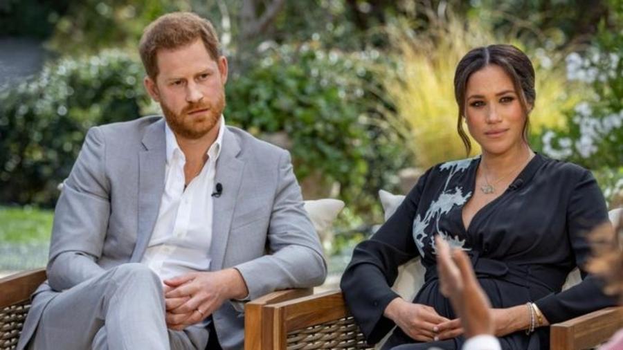 Harry e Meghan Markle durante a entrevista concedida a Oprah: esse seria o motivo da morte do príncipe na versão fantasiosa de alguns (Foto: Reprodução) - Reprodução / Internet