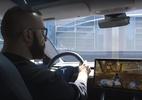 Confira como é possível jogar games em carros da Tesla (Foto: The Verge/ Youtube)
