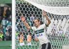 Coritiba renova com prata da casa e barra atletas com pendência de contrato (Foto: Daniel Castellano/Framephoto/Estadão Conteúdo)