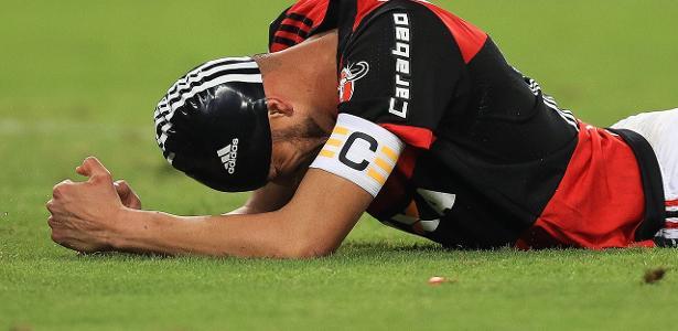 Réver precisou ser substituído após se sentir mal durante o jogo com o Botafogo