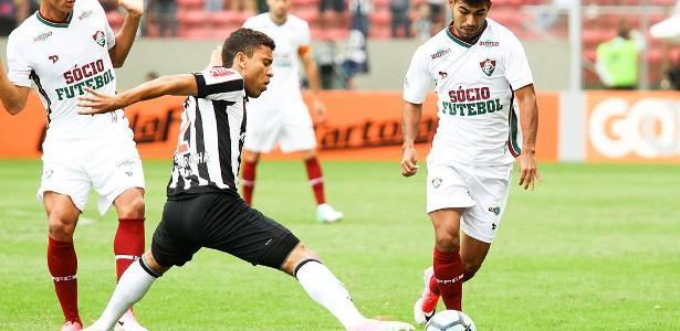 Meia Sornoza sofreu lesão grave na partida contra o Atlético-MG