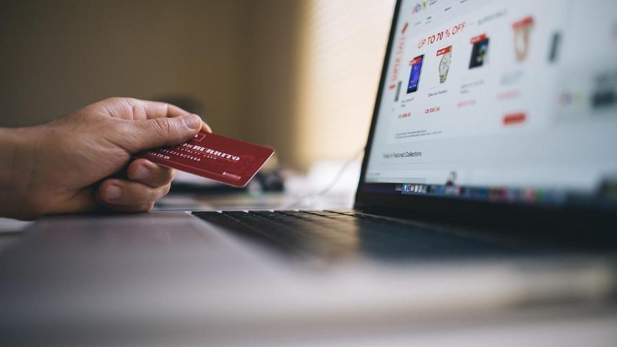 Varejo online fatura 45% a mais no Natal de 2020 - Imagem de StockSnap por Pixaba