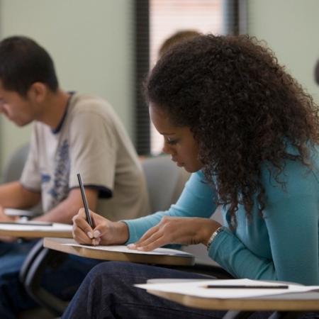Cartilha lista cuidados para retomada das aulas presenciais no RJ - Getty Images