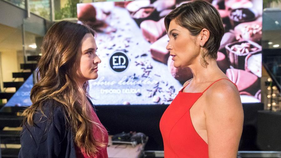 Luna/Fiona (Juliana Paiva) e Helena (Flávia Alessandra) em Salve-se Quem Puder - Reprodução / Internet