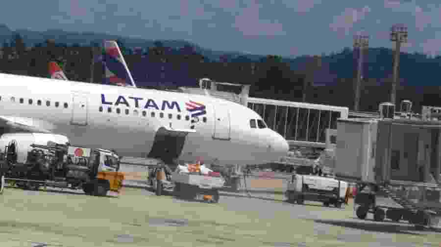 Avião da Latam em Guarulhos - Jorge Araujo/Fotos Publicas