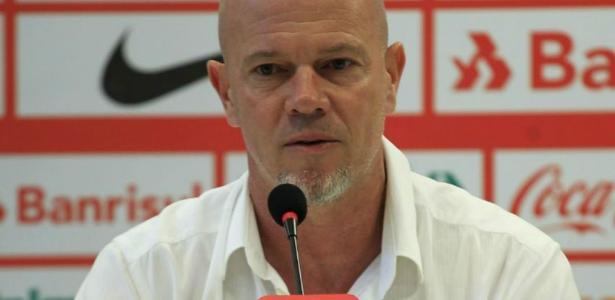 Antônio Carlos Zago não é mais o treinador do Internacional