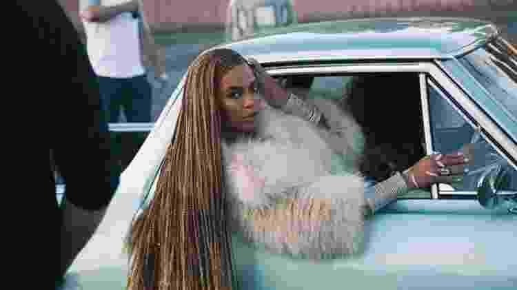 Beyoncé no clipe de Formation, single de Lemonade - YouTube - YouTube