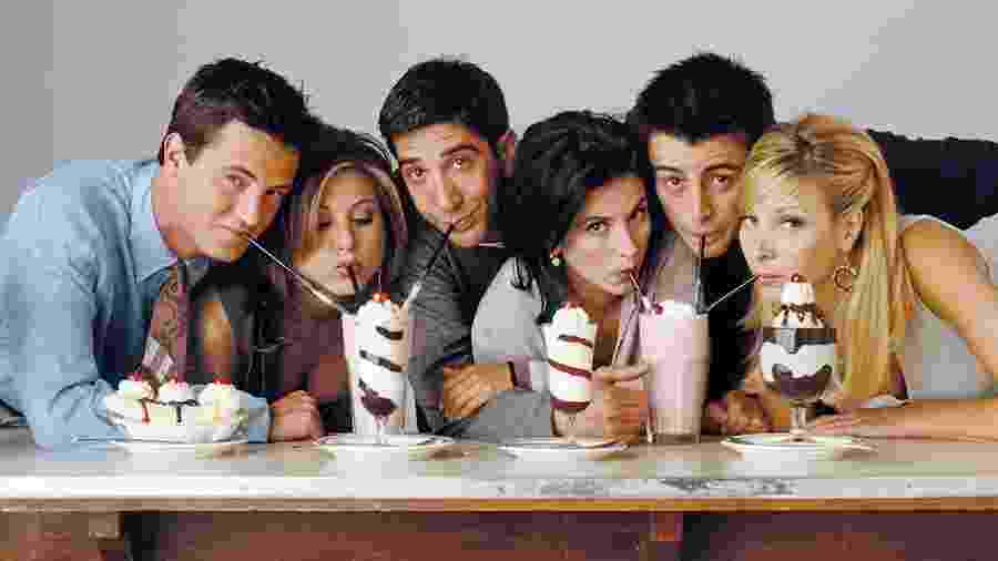 """O sexteto de """"Friends"""", série exibida originalmente entre 1994 e 2004 - Reprodução / Internet"""