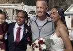 """Tom Hanks posa com noivas após invadir casamento na Califórnia: """"A coisa mais linda que já vi"""" - Reprodução / Twitter @cgfox11"""