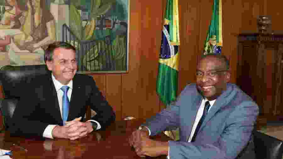Presidente Jair Bolsonaro e o ministro da Educação Carlos Alberto Decotelli                              -                                 REPRODUçãO