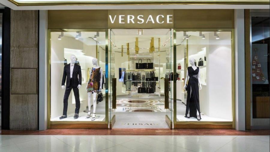 81b25d9f0709d Italiana Versace é um icone da moda