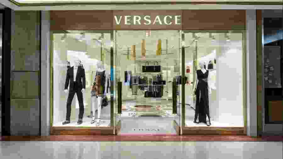 Italiana Versace é um icone da moda