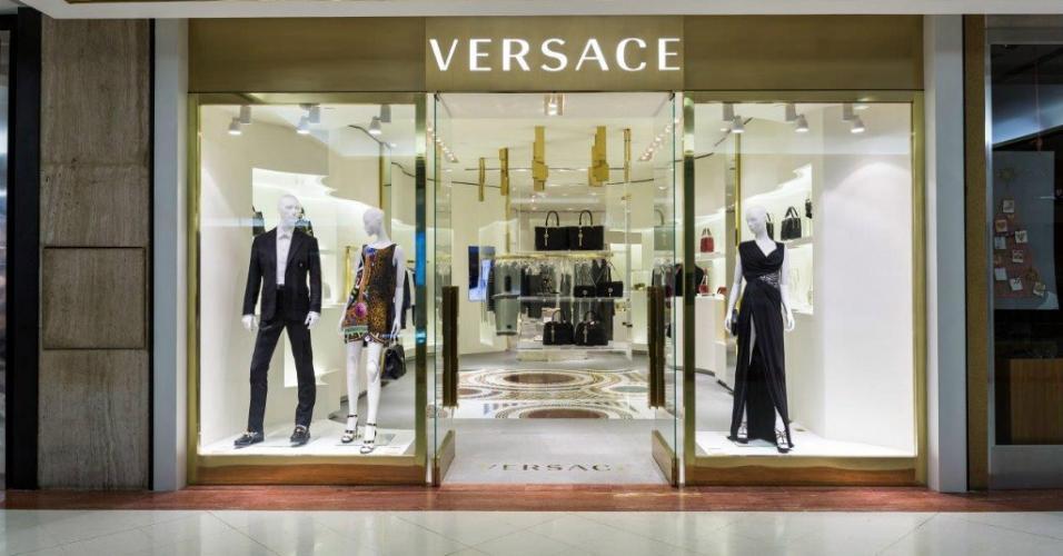 Após venda da Versace, restam poucas marcas de luxo disponíveis -  Entretenimento - BOL Notícias bff84ddf78