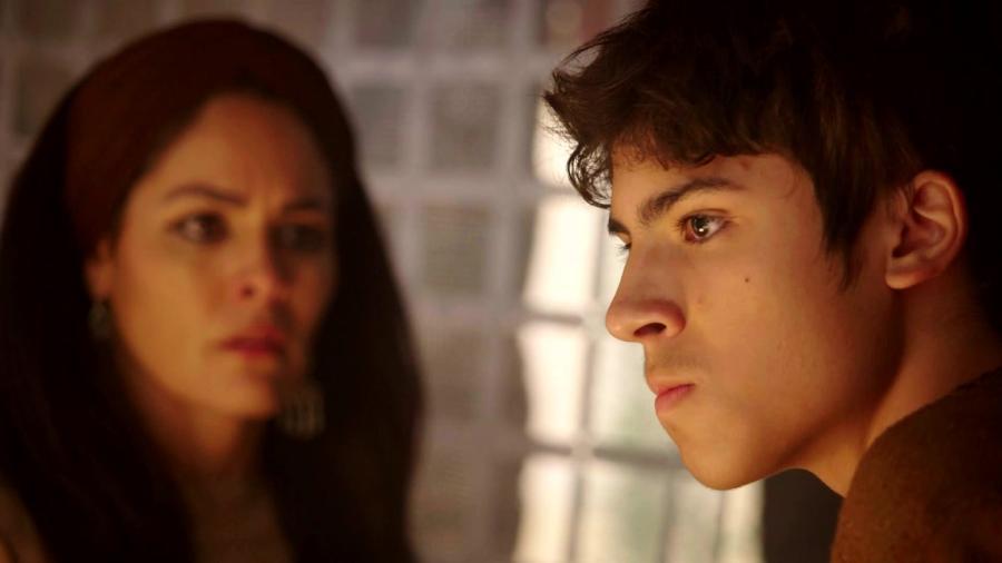 Agar (Hylka Maria) e Ismael (Henrique Camargo) em Gênesis (Foto: Divulgação/ Record TV) - Reprodução / Internet