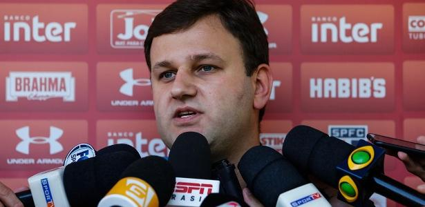 Diretor de futebol do São Paulo, Vinícius Pinotti fez pagamentos mensais ao ex-gerente