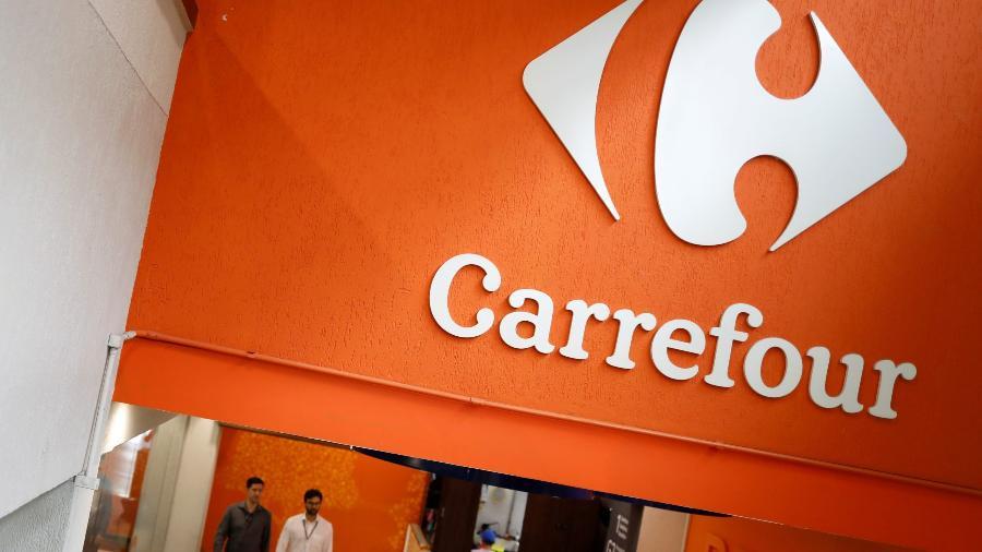 Logotipo do Carrefour em um supermercado em São Paulo - Nacho Doce/Reuters