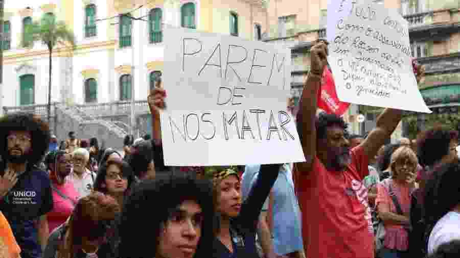 Protesto em frente à Secretaria de Segurança Pública de São Paulo contra a violência em Paraisópolis - Rovena Rosa/ABr
