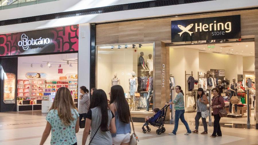 Lojas das marcas brasileiras Boticario e Hering no shopping Passeo La Galeria em Assunção no Paraguai - daniel Teixeira/estadão Conteúdo