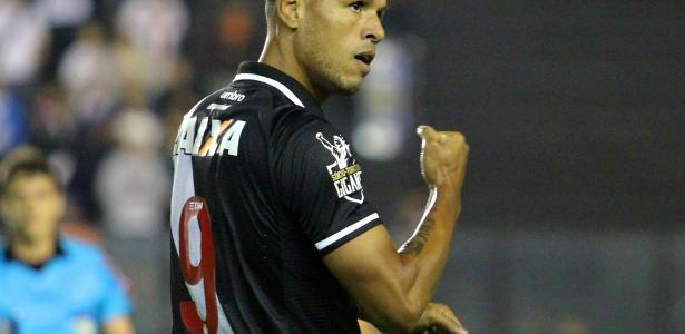 Luis Fabiano é o vice-artilheiro do Campeonato Brasileiro com cinco gols