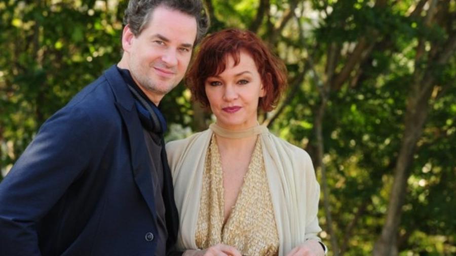Paulo (Dan Stulbach) e Esther (Julia Lemmertz) de Fina Estampa (Divulgação - TV Globo) - Reprodução / Internet