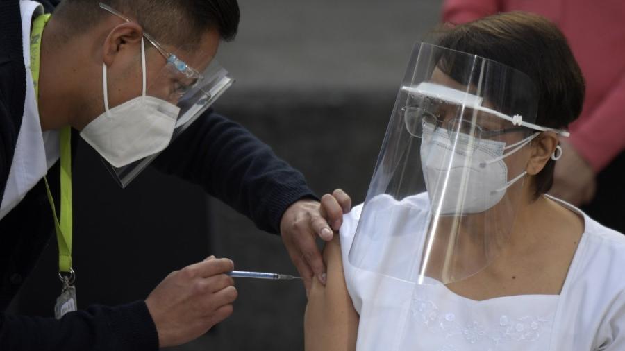 México busca compensar falta de vacina da Pfizer com as de outros fornecedores -                                 PEDRO PARDO / AFP