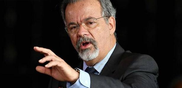 O ministro da Segurança Pública Raul Jungmann disse que investigações da morte de vereadora apontam para milícias