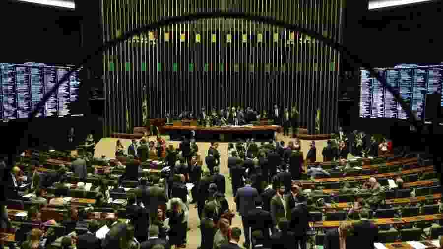 Congresso manteve o veto do presidente Bolsonaro, que tira poder do relator do Orçamento definir a destinação de R$ 30,1 bilhões em emendas - Fabio Pozzeboni