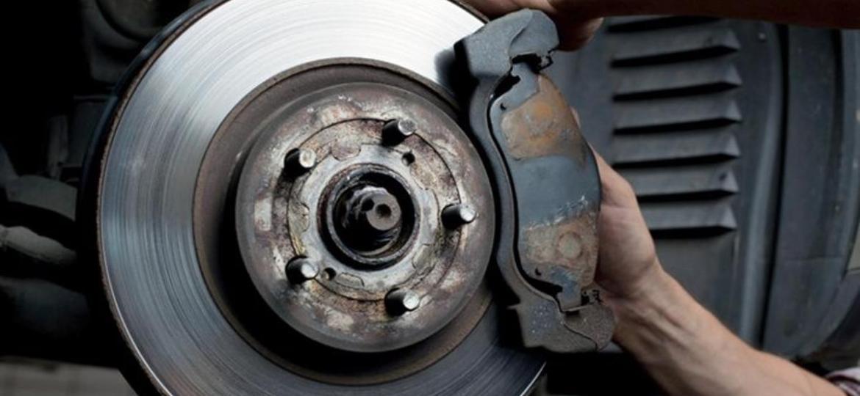"""Pastilhas de freio """"indicam"""" quando devem ser trocadas - Foto: Shutterstock"""
