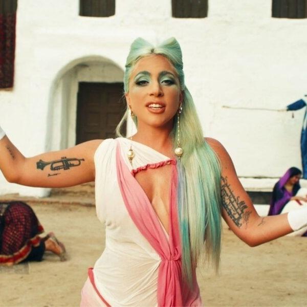 """Lady Gaga no clipe de """"911"""""""