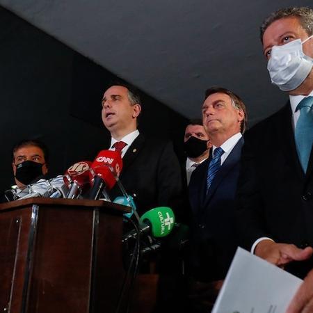 Bolsonaro está nas mãos dos presidentes da Câmara, Arthur Lira (P-AL), e do Senado, Rodrigo Pacheco (DEM-MG) - Flickr/Palácio do Planalto