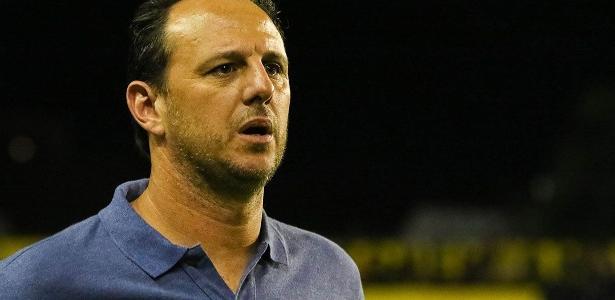 Rogério Ceni e o São Paulo têm cinco derrotas, um empate e três vitórias no Brasileirão